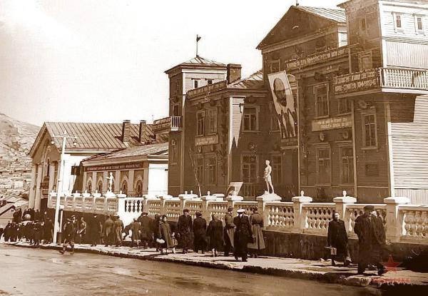 Дворец пионеров на Ленинской.jpg