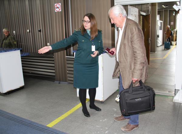 Аэропорт ПК оформление пассажиров и багажа.jpg